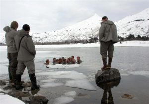navy-seals-ice-water