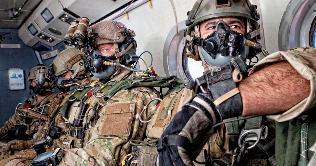 Best Navy SEALs Equipt and Gear – SEALgrinderPT